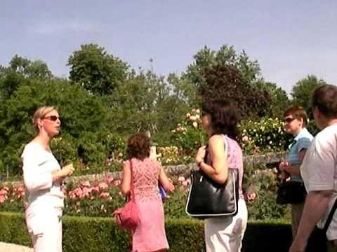シャトー・ランゴア&レオヴィル・バルトンの中庭へ20060614 Ch Langoa Barton