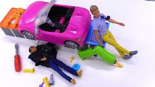 Видео для детей. Что случилось с машиной Кевина? Куклы в автосервисе