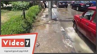 بالفيديو.. انفجار ماسورة مياه بأول عباس العقاد بمدينة نصر