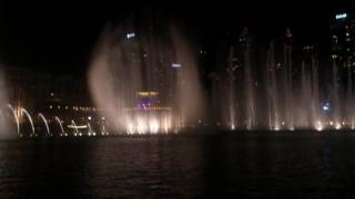 The Dubai fountain show @ Dubai mall/ Burj Khalifa synchronised to an Arabic song