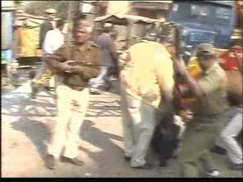 Police torture of a doctor and lawyer in Varanasi,India