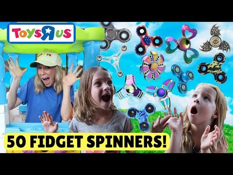 Fake Toys R Us Worker Sells 50 Fidget Spinners to Addy and Maya!