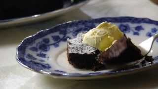 Rodda's chocolate brownies with Cornish clotted cream Thumbnail