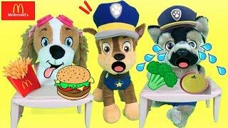 Paw patrol español:Mcdonalds para bebe skye y Chaseito come papilla.Videos de juguetes para niños