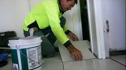 Tiling / How to tile and grout / Лепене на плочки и фугиране