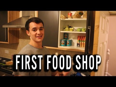 Moving Into University, House Tour & First Food Shop!
