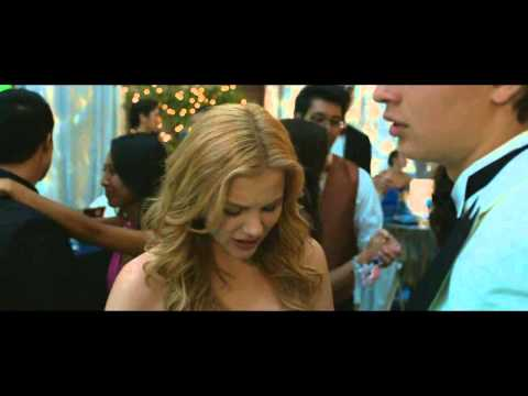 Carrie 2013 Carrie and Tommy kissing deleted scenes