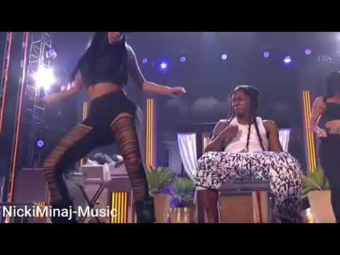 Nicki Minaj Twerks On Stage