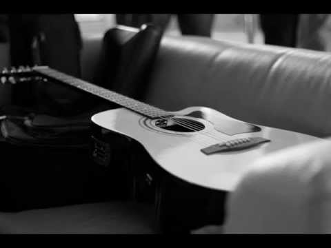 Plange o chitara langa inima mea ...