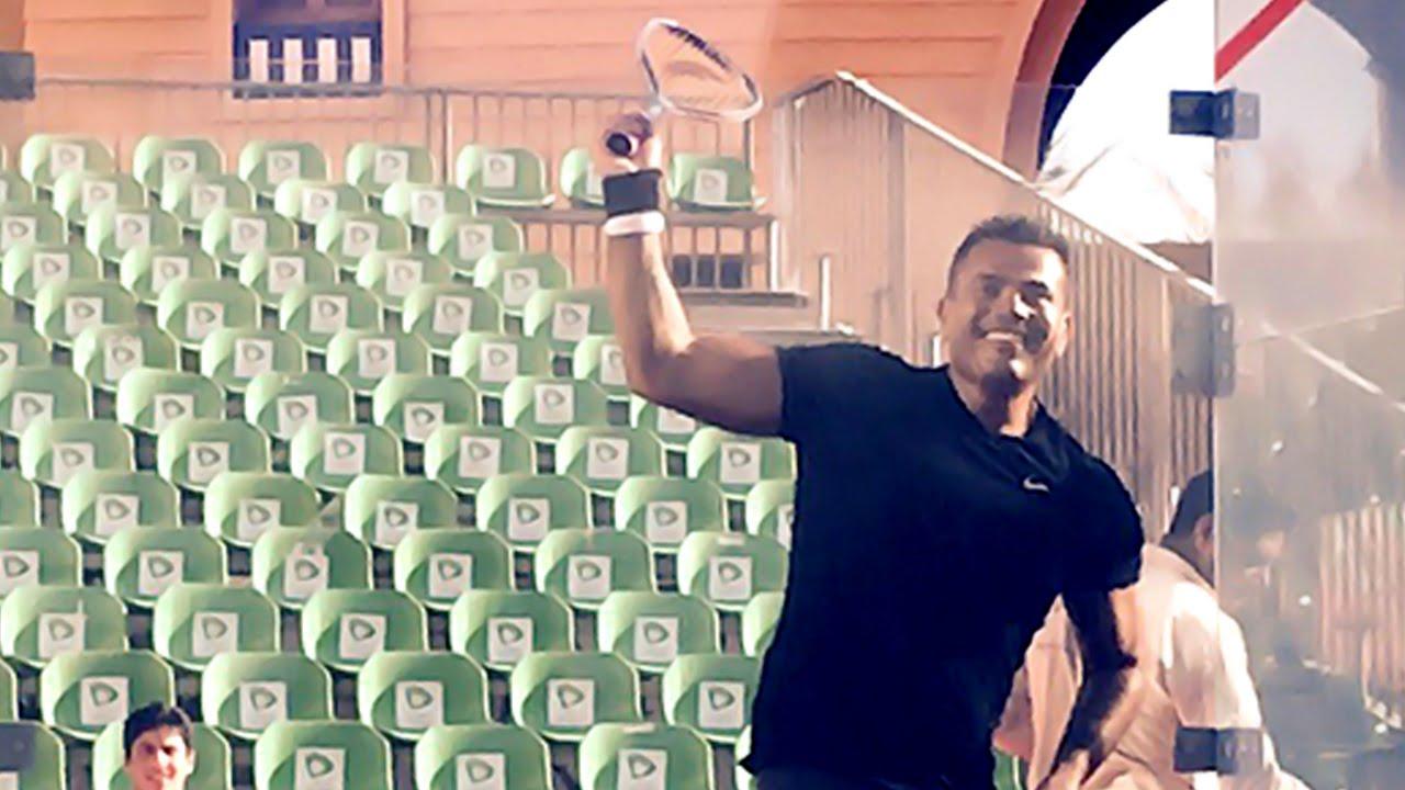 عمرو دياب يلعب سكواش أثناء الأستعدادات لبطولة الجونة الدولية للأسكواش ٢٠١٥
