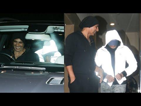 Akshay Kumar's Son Aarav HIDE FACE From A Media