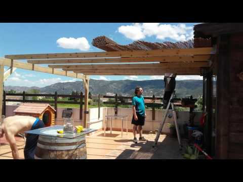 Montaje de porche de madera www porchesdemadera biz doovi - Como construir un porche ...