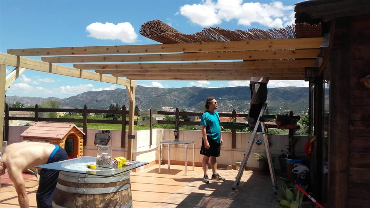 Como hacer un porche de madera youtube for Como construir un kiosco en madera