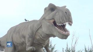 Grandes dinosaurios se apoderan de Coatzacoalcos