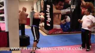 Clases de Boxeo: Trabajando en el Saco de agua