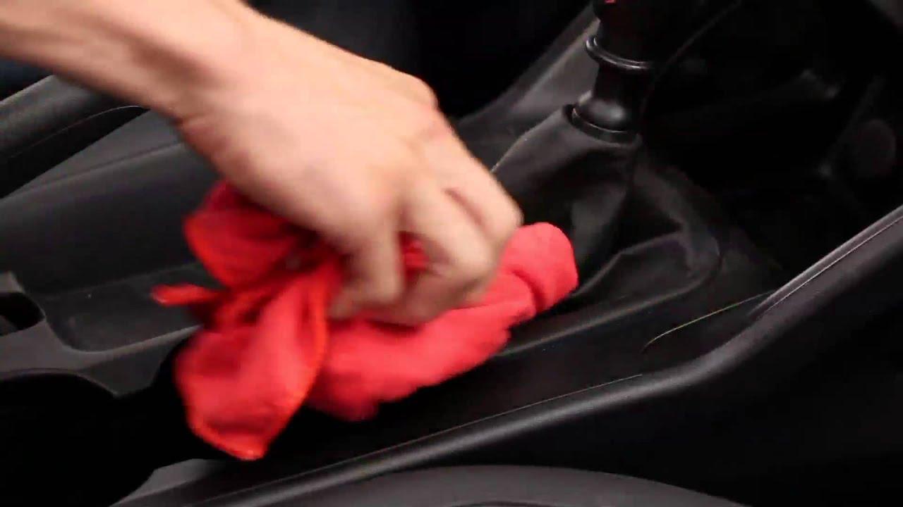 Comment nettoyer les plastiques de votre voiture youtube for Nettoyer plastique exterieur voiture