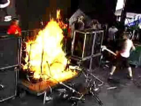 Tre Sets Drum Set On Fire Before Billie Played Good Riddance At