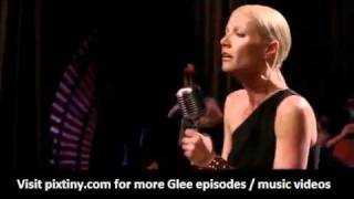 Glee 2x17 Turning Tables Gwyneth Paltrow