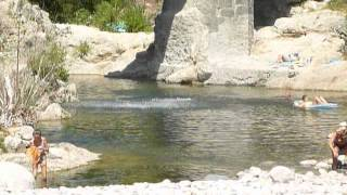 Plongeon en Ardèche (près de Meyras) juillet 2015