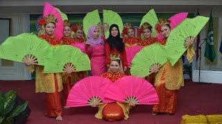 Video Tari Kipas Persembahan Mahasiswi Dewi Maya download MP3, 3GP, MP4, WEBM, AVI, FLV Mei 2018