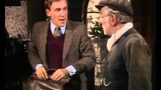 2 эпизод, 1 сезон, «O всex сoздaнияx — бoльшиx и мaлыx», 1978. Джеймс Хэрриот.