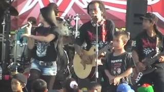 Video Utami Dewi Fortuna fea Shodiq   Ngidam Jemblem, Netral PDSI Monata 2014 download MP3, 3GP, MP4, WEBM, AVI, FLV Juli 2018