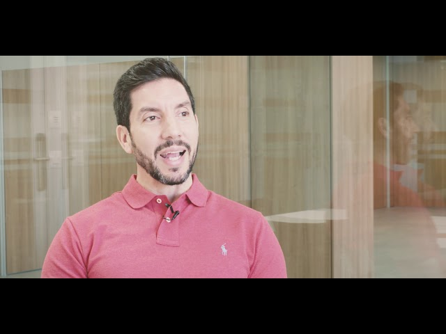 Daniel Castillo, Business Manager Apple - Youtube frame