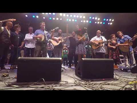 Irishfest 2017 Scattering - Wild Mountain Thyme 8 20 17