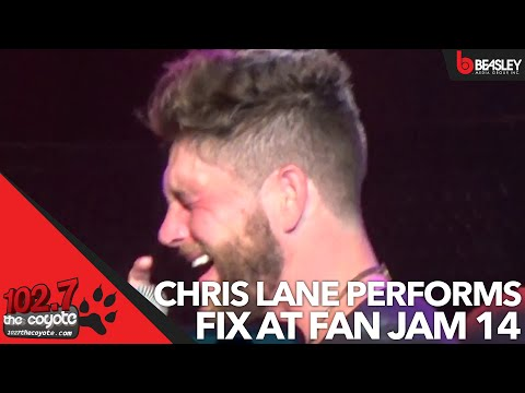 Chris Lane performs Fix at Fan jam 14