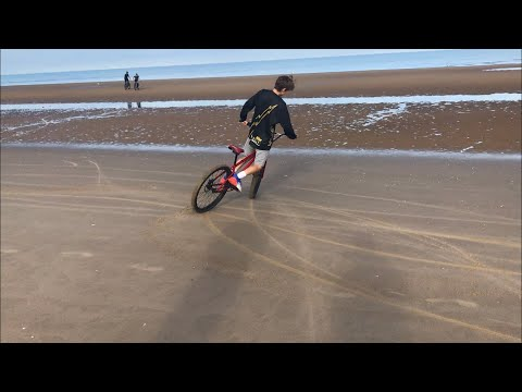 CRAZY SAND DRIFTING!!