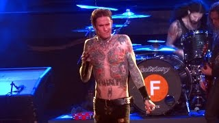 Buckcherry - Crazy Bitch, Live @ Piere