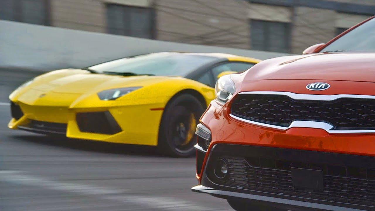 Lamborghini Aventador vs. 2019 Kia Forte - Dauer: 2 Minuten, 2 Sekunden