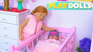 Baby & Mommy dolls bed time routine in pink doll bedroom