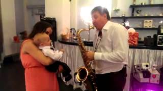 Родион Чехов и самый маленький гость на свадьбе :)(, 2016-04-10T18:53:20.000Z)