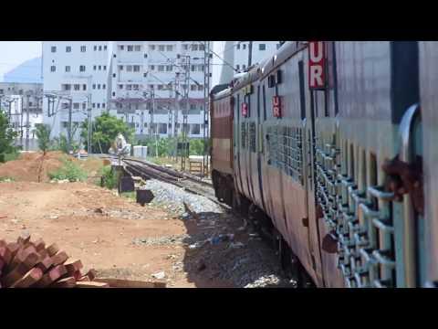 Awesome Honking WAP4 Links 12677 Bangalore Ernakulam Superfast : Erode to Coimbatore