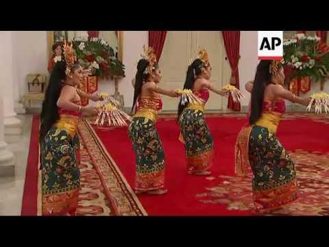 Pence, Widodo watch traditional Indonesian dance