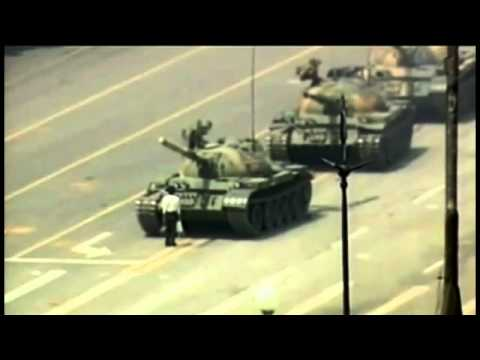 El hombre del tanque de Tiananmen (Tiananmen tank man)