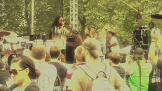 Adrian Xavier Live at Bumbershoot 2009 - Hold Up the Crown