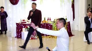 Друг жениха сделал предложение своей девушке прямо на свадьбе!