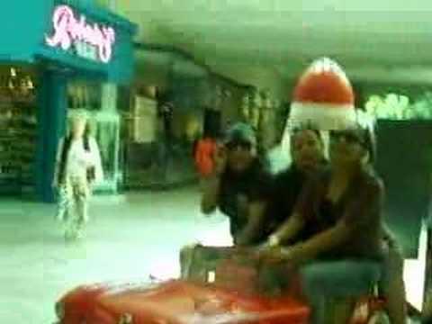 Besties At The Boyton Mall
