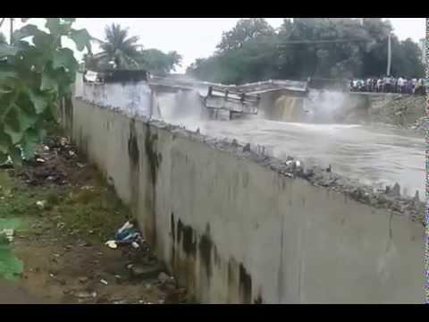 SHOCKING! Bridge collapse caught on camera!!
