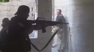 Повстанцы Сирии загрузили в сеть новое видео боёв (новости)(http://www.ntdtv.ru Повстанцы Сирии загрузили в сеть новое видео боёв. Как свидетельствуют новые видеокадры, загруж..., 2014-05-02T14:38:49.000Z)