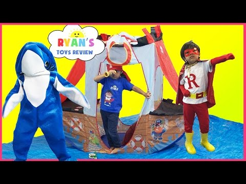 SUPERHERO KID SHARK attack dolphin! Ryan ToysReview T-Shirt Treasure Hunt Surprise Toys Kid Candy