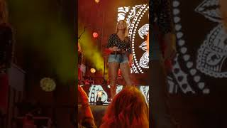Download It all comes out in the wash - Miranda Lambert Mp3 and Videos