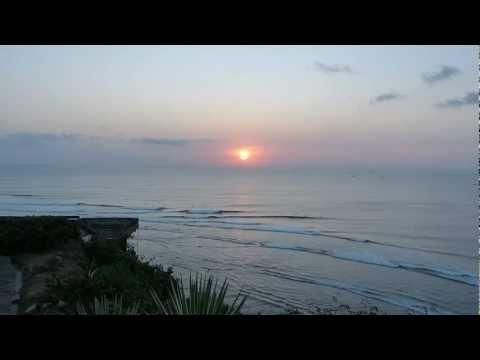 Uluwatu Bali Sunset & Surf