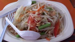Мой самый любимый тайский салат, нам готовят Сом Там в Ча-Ам, Таиланд
