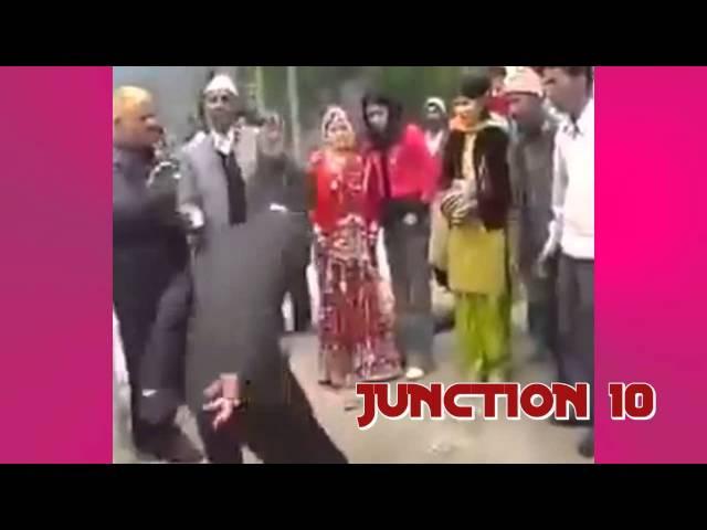 VERY FUNNY GROOM DANCE