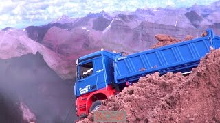 AMAZING R/C TRUCK ACTION AT CONSTRUCTION WORLD HERSCHWEILER WHILE OPENING Jan.2017 - part 6