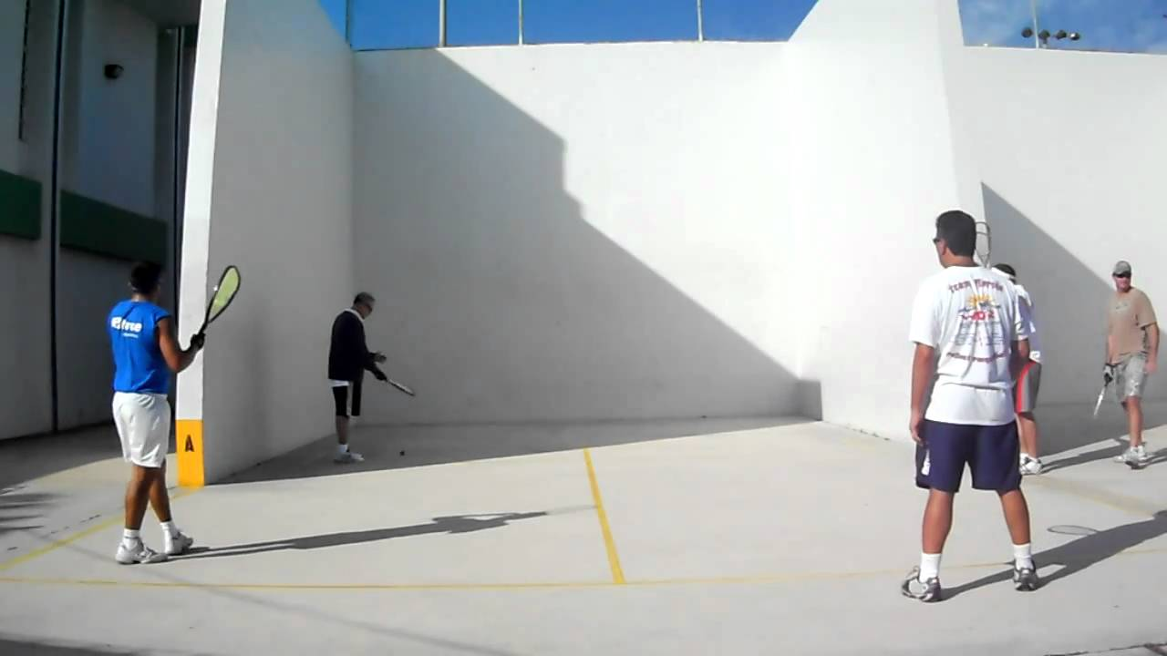 Holiday park best outdoor racquetball yn florida youtube for Build a racquetball court