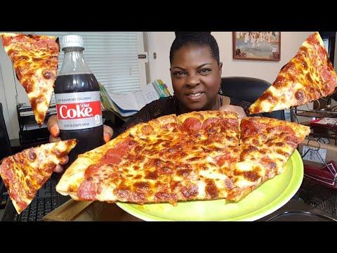 Mukbang/🍕Cheesy Pepperoni Pizza🍕•Eating Show